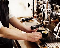 커져가는 커피시장, 시니어 위한 '틈새' 있을까