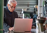 일할 수 있는 나이 65세
