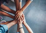 모이면 힘이 된다, 50+세대 위한 커뮤니티 지원 확대