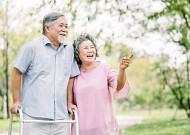 노인복지·돌봄 자격증 '先 사회복지사 後 요양보호사'가 효율적