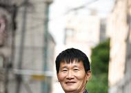 """""""평균나이 63세, 정년 걱정없이 일해요"""" 은퇴 후 안전관리자로 활약 중인 최동기 씨"""
