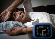 잠 못 드는 여름, 불면증 잡는 간단 지압법