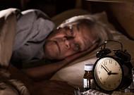 깊은 잠 못자면, 치매 위험 신호?