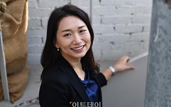 """'정직한 후보' 장유정 감독 """"남성을 여성으로, 취재해보니 못할 거 없더라"""""""