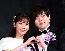 '모범적으로 살게요'…문희준♥소율, 아이돌 1호 부부 탄생