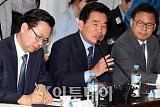 [포토] 모두발언하는 김진표 위원장
