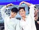 강하늘-박서준, 훈훈한 비주얼 '최소 소장각'