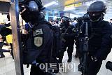[포토] 지하철 테러대응 훈련하는 경찰 관계자들