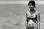 박근혜 전 대표, 중학생 시절 비키니 수영복 눈길