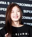 김유정, 청정 꽃미소
