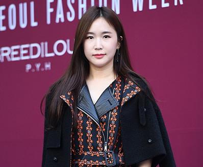 [BZ포토] 크레용팝 초아, 확 달라진 분위기