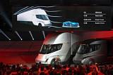 테슬라, 첨단 전기 트럭 '세미'ㆍ스포츠카 '로드스터' 공개…생산이 최대 관건