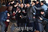 [포토] 전병헌 검찰 출석, 뜨거운 관심