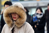 [일기예보] 오늘 날씨, 전국 맑고 저녁부터 곳곳에 눈 또는 비…'서울 아침 -6도'
