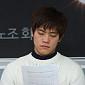 [BZ포토] 기자회견문 확인하는 故 이한빛PD 동생 ...