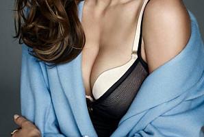 예쁜 가슴을 망가뜨리는 일상 속 '나쁜 습관' 6가지