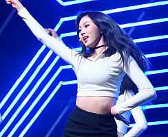 CLC 권은빈, 각도 무시하는 8등신 몸매