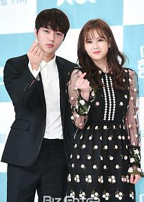 김명수-고아라, '잘생겼는데 예쁘기까지'