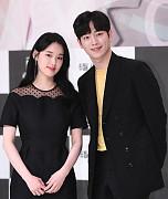 박환희-서강준, 블랙으로 맞춰입은 커...