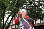[2018 러시아 월드컵] 멕시코 팬 한국대사관 몰려와 한병진 공사 헹가래…후원사는 맥주박스 선물도