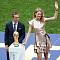 [2018 러시아 월드컵] 나탈리아 보디아노바·필립 람, 월드컵 결승전서 트로피 공개…과연 트로피는 순금일까?