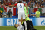프랑스 크로아티아 경기 흐름 끊은 관중은 '푸시 라이엇'…음바페와 하이파이브 포착