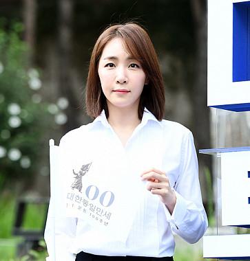 김이나, 미녀 작사가답게 단아한 미모