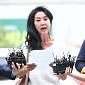 [BZ포토] 경찰 출석한 김부선, 준비해 온 입장문 발표