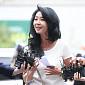 [BZ포토] 김부선, 경찰 출석에서도 빛나는 패션 감각