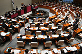 """한국당·바른미래당 """"조국 민정수석 해임하라""""…국회 일정 보이콧 검토"""