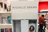 '제2의 오바마 대통령' 나오나...미국 서점가 강타한 미셸 오바마 돌풍