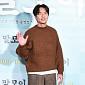 [BZ포토] 김태훈, '말모이' 주러 가는  패션