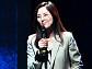 [BZ포토] 이주연 아나운서, 박준 시인 '어른이 된다는 것' 낭독