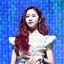 우주소녀 다영, 매혹적인 빨간머리