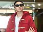 [BZ포토] 방탄소년단 RM, '빨간 떡볶이코트 찰떡 소화'