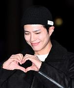 박보검, 여의도 술렁이게 만드는 미소...