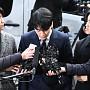 '성매매 알선 혐의' 경찰 출석해 고개숙인 승리