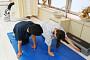 만성화된 목, 어깨, 허리통증…손상된 척추 관절 풀어주는 '도수치료' 도움