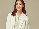 김고은, 뮤지컬 영화 '영웅' 전격 출연...정성화와 호흡