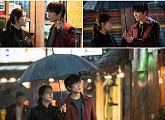 '의사 요한' 지성, 이세영과 폭우 속 한 우산...공생 관계?