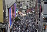 홍콩 시민 170만 명 우산들고 행진...'송환법' 반대 집회 평화롭게 마무리