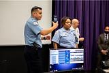 美 경찰 도우미 된 '삼성 덱스'…시카고 경찰차에 시범 운영