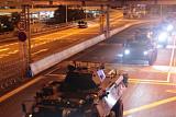 중국, 홍콩 주말 시위 앞두고 주둔군 교체...경찰은 집회 불허
