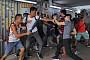 홍콩 시위 15주째 주말, 친중·반중 시위대 충돌...경찰 편파대응 도마