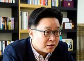 송혜교-서경덕 교수, 안중근 의사 의거 110주년 최재형 기념관에 한글안내서 1만부 기증