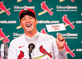 김광현, MLB 세인트루이스 입성…2년 800만달러(약 93억)에 계약