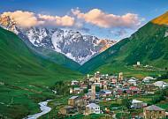 신화의 산 카즈베기와 하늘 아래 첫 마을  우슈굴리