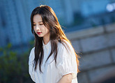 솔지, 싱글 '오늘따라 비가 와서 그런가 봐' 발매…'이별명곡' 탄생
