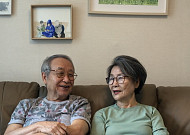 """78세 인플루언서 부부 """"SNS에 손주 사랑 담았죠"""""""