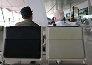 폭염 피해 공항 찾는 시니어들...승객 7명 중 1명 65세 이상
